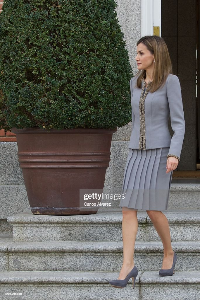 Queen Letizia of Spain receives Chilean President Michelle Bachelet at the Zarzuela Palace on October 29, 2014 in Madrid, Spain.