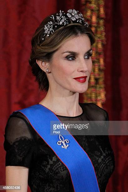 Queen Letizia of Spain receives Chilean President Michelle Bachelet for a Gala dinner at the Royal Palace on October 29 2014 in Madrid Spain