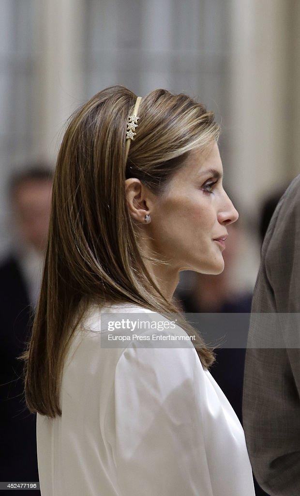 Spanish Royals Receive Ruta Quetzal BBVA 2014 Participants : News Photo