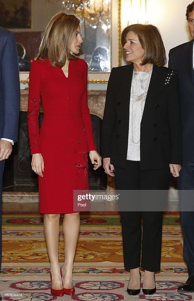 Royals Visit Permanent Council and Council of the Greatness of Spain : Nachrichtenfoto