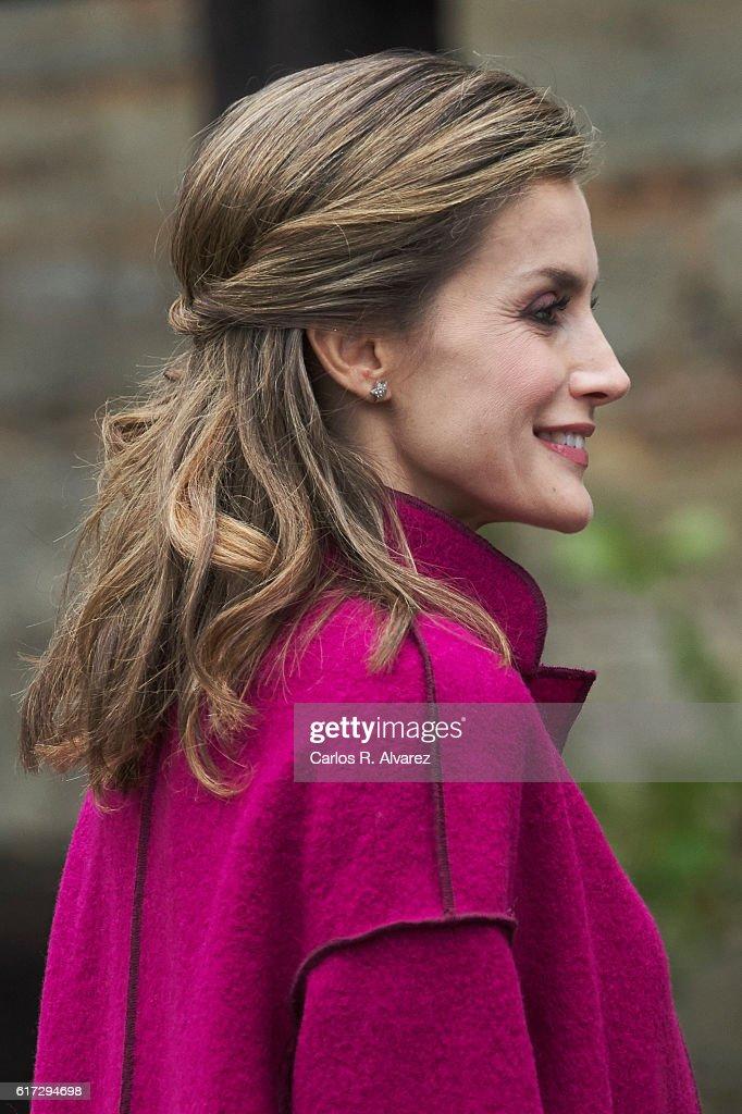 Spanish Royals Visit los Oscos Region : News Photo
