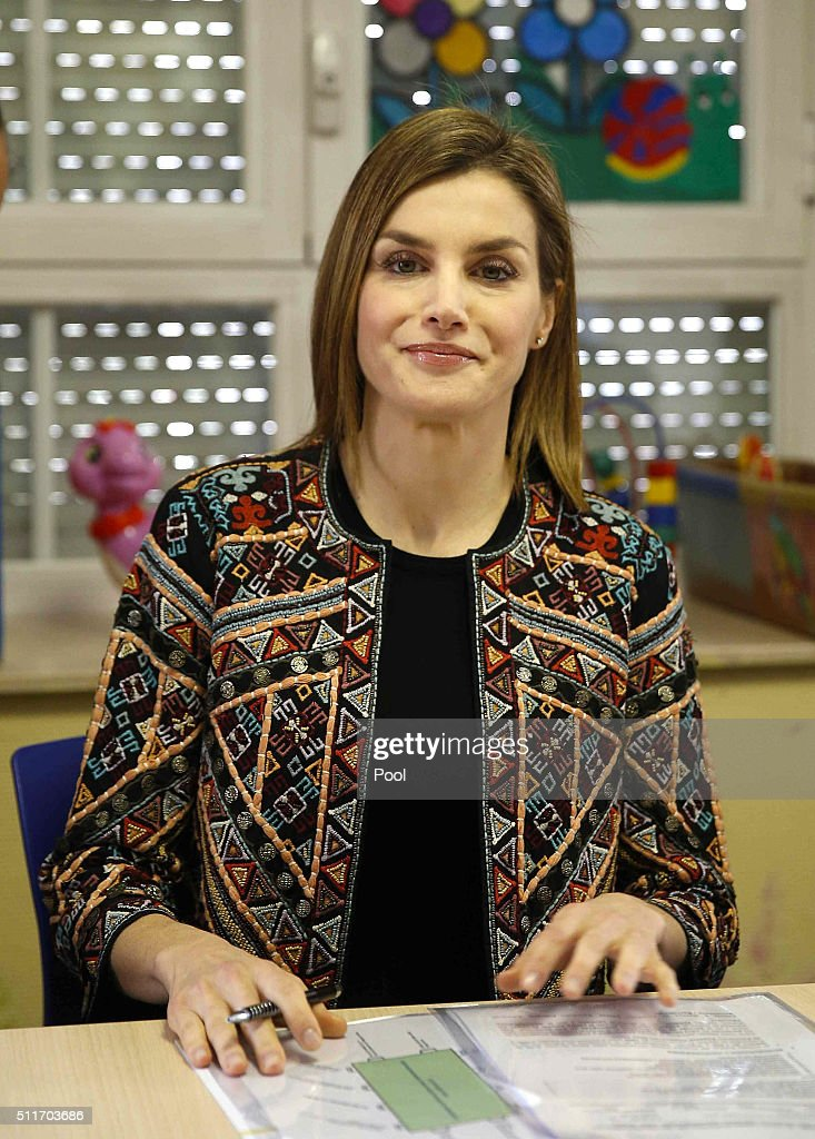 Queen Letizia of Spain Visits 'Nino Jesus' Children Hospital : News Photo