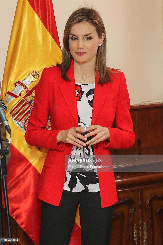 Queen Letizia Of Spain Visits Artillery Military Academy In Segovia : News Photo