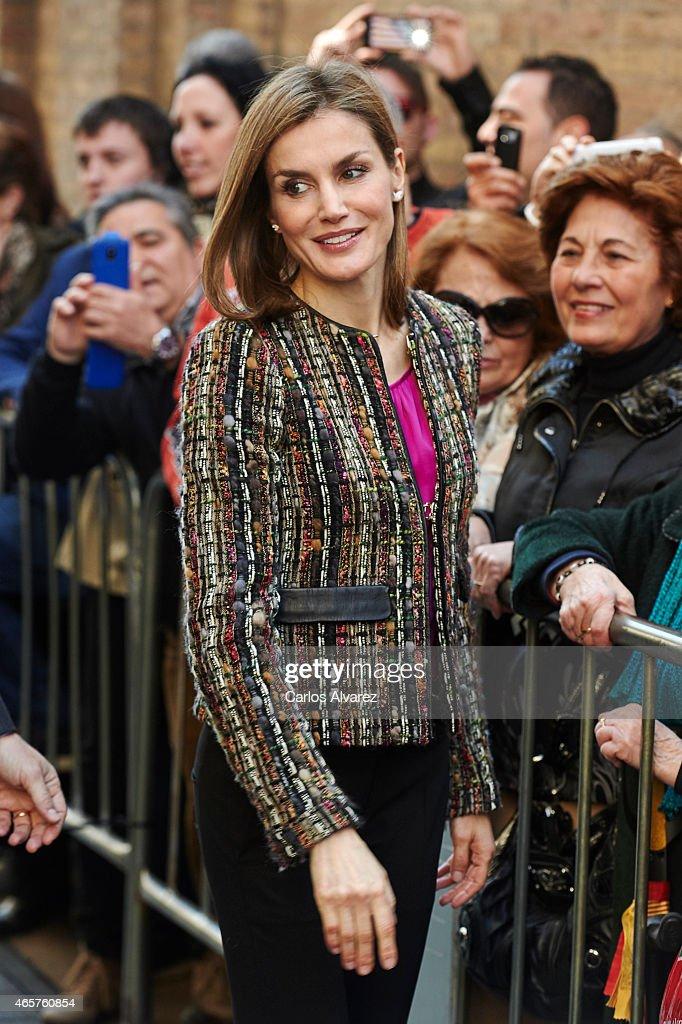 Spanish Royals Visit Zaragoza : News Photo