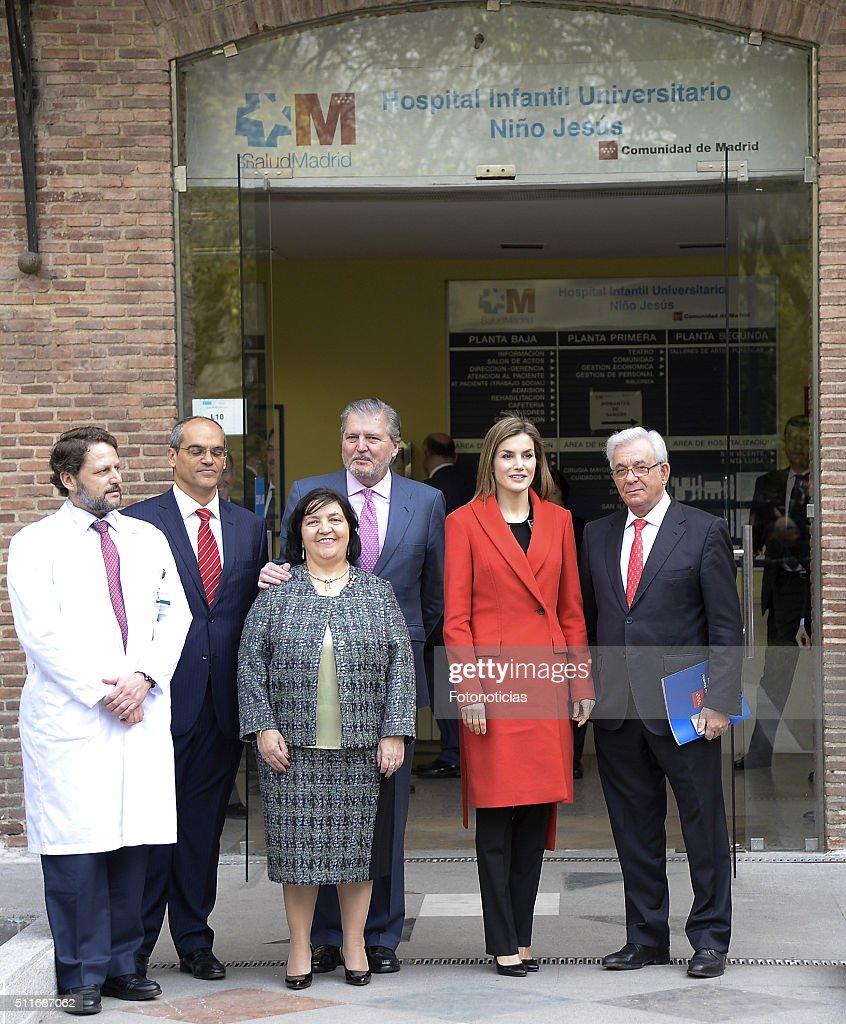 Queen Letizia of Spain Visits 'Nino Jesus' Children's Hospital : News Photo