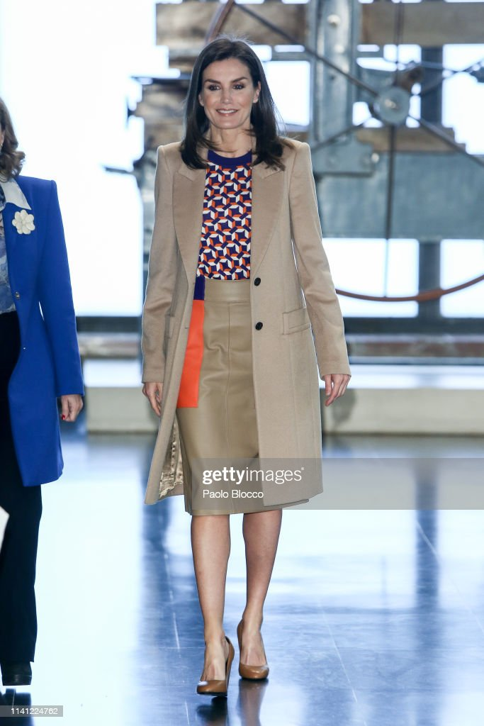 Queen Letizia Of Spain Visits The School Of Engraving And Design of Spain's Mint (Real House of Currency) : News Photo