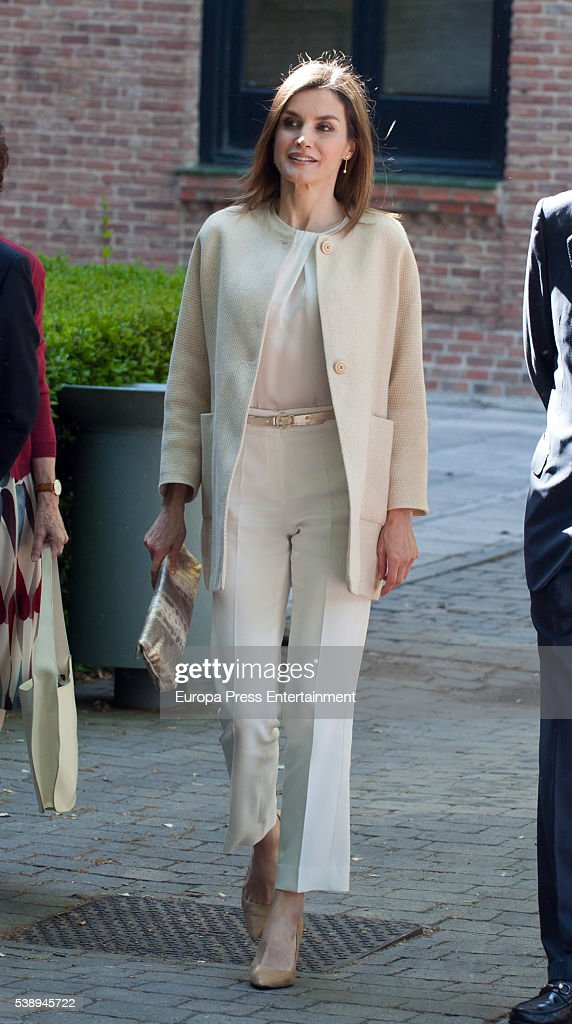 Queen Letizia of Spain Visits Students Residence : News Photo