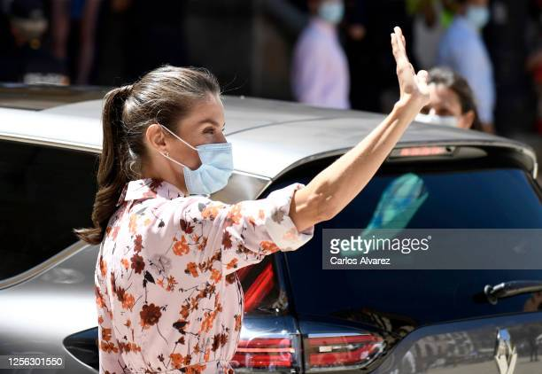 Queen Letizia of Spain wears a face mask during a visit to a cultural centre with King Felipe of Spain on July 15 2020 in Soria Spain This trip is...