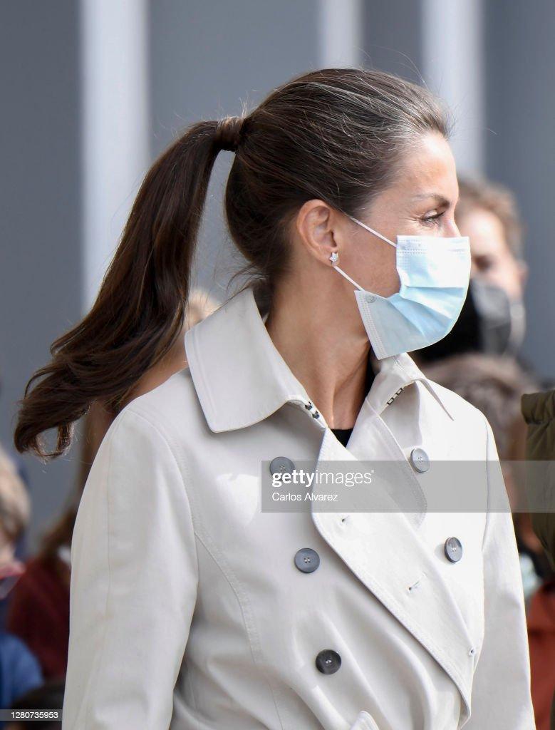 Spanish Royals Visit Somao : News Photo