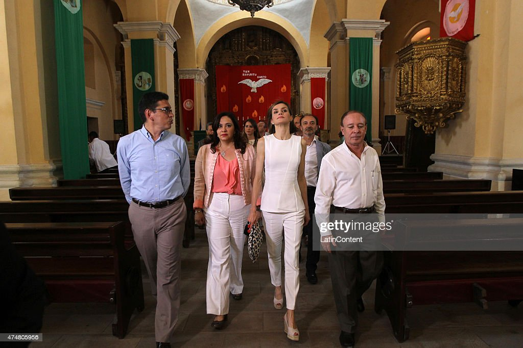 Queen Letizia walks with Honduran authorities in the Cathedral of Comayagua, 80 km north of Tegucigalpa during an official visit on May 26, 2015 in Honduras. Queen Letizia started a two-day visit to Honduras to supervise Spanish cooperation programs in the country.