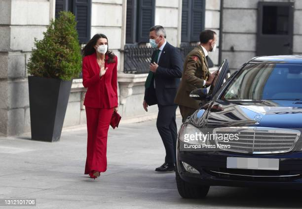 Queen Letizia waves upon her arrival at the Floridablanca Courtyard to participate in the congressional tribute to Radical Party deputy Clara...