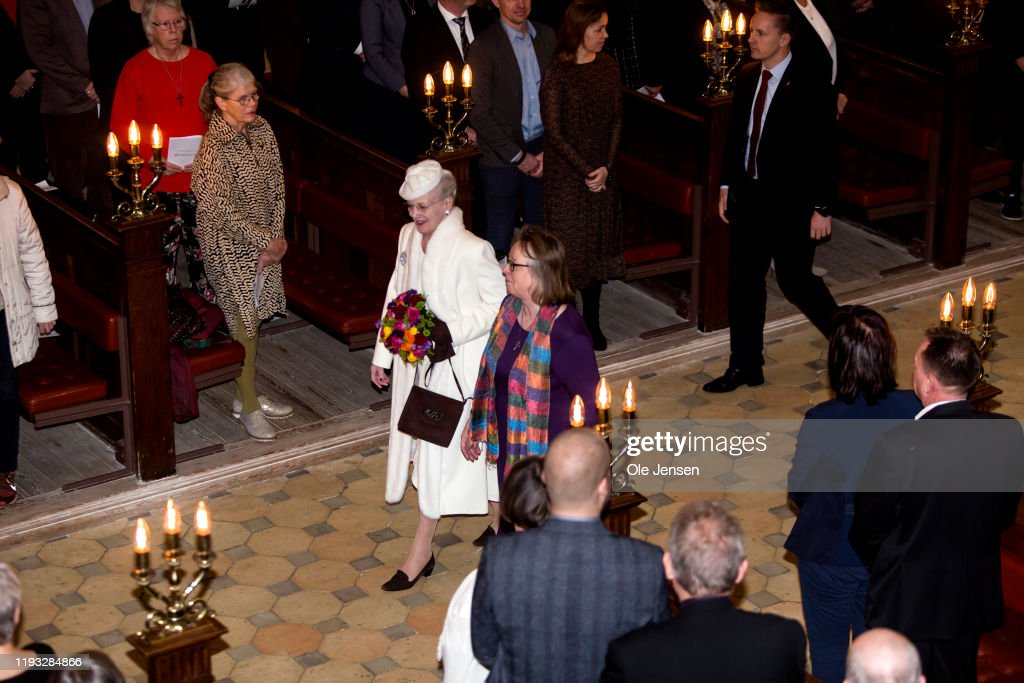 Queen Margrethe Of Denmark Attends A Memorial Service On the Occasion Of The Centennial Year For Reunification Of Southern Denmark : ニュース写真