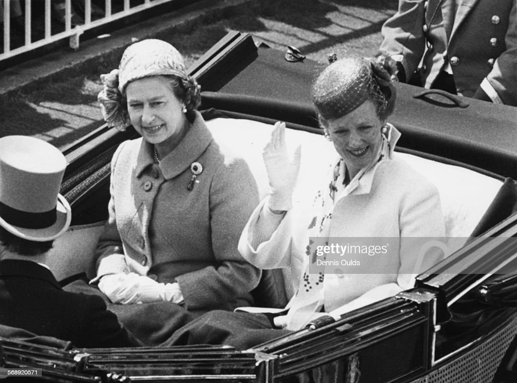Queen Margrethe And Queen Elizabeth II : ニュース写真