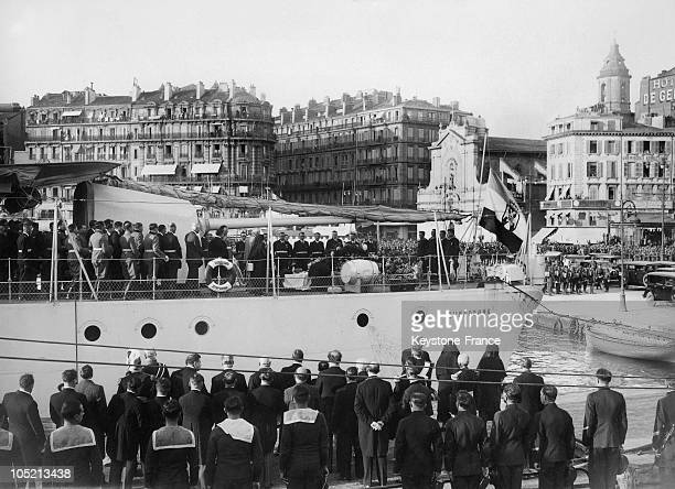Queen Marie Of Yugoslavia Before Her Husband'S Body On The Deck Of The Dubrovnik In Marseille'S Harbour Before The Boat'S Departure For Budapest, On...