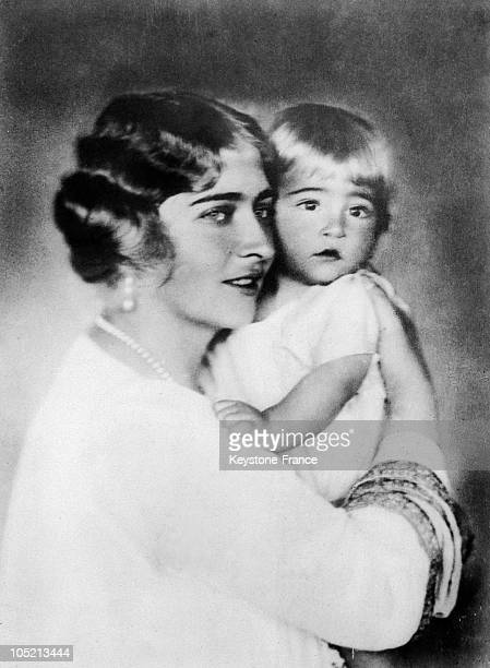 Queen Marie Of Yugoslavia In England With Her Son Prince Peter Around 1925.