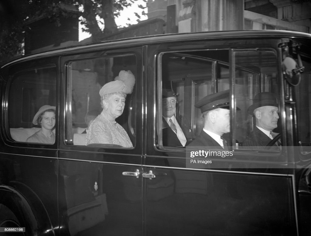Royalty - George Lascelles, Earl of Harewood and Marion Stein Wedding - London : News Photo