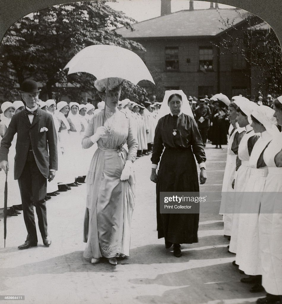 Her Majesty walking through the guard of honour of nurses of RN Hospital, Hull, 20th century. Artist: Realistic Travels Publishers : News Photo