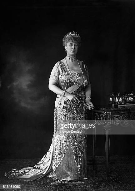Queen Mary wife of King George V wears the Order of the Garter