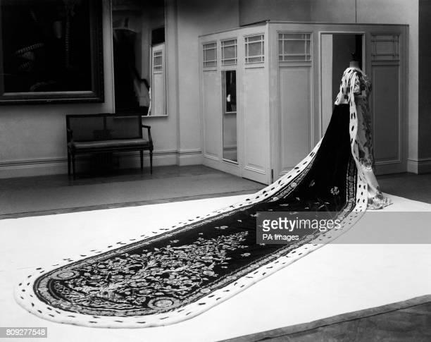 Queen Mary's Coronation robe
