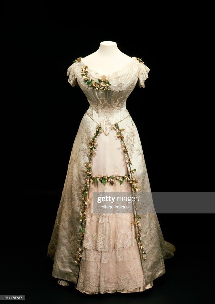Queen Mary S Wedding Dress 1893