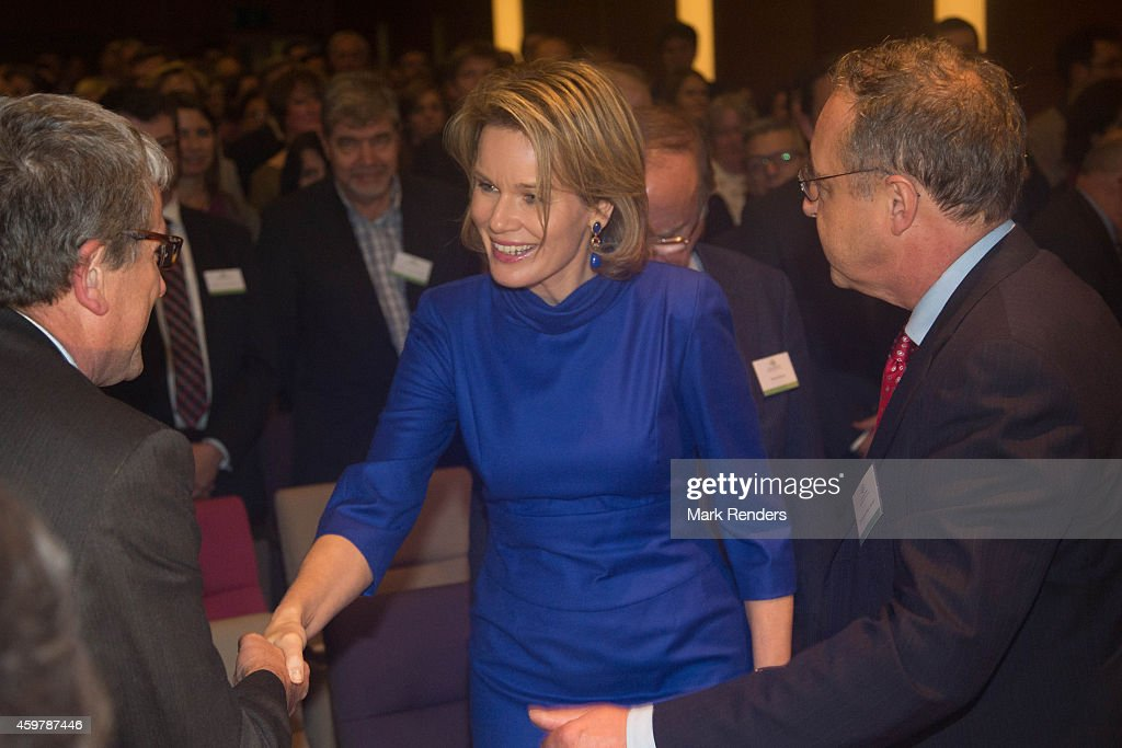 Queen Mathilde Of Belgium Visits 'La Fondation Contre Le Cancer in Brussels : News Photo