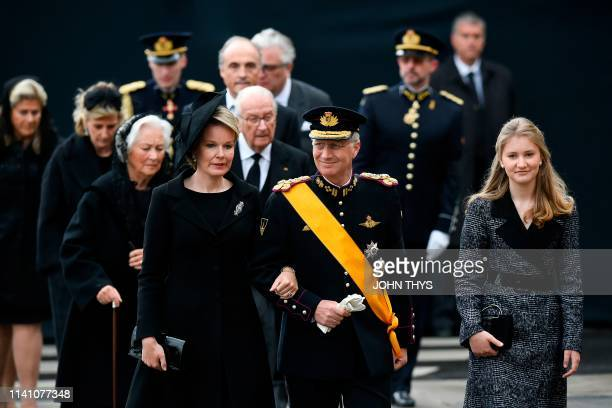 TOPSHOT Queen Mathilde of Belgium King Philippe of Belgium and Crown Princess Elisabeth arrive for the funeral ceremony of Jean d'Aviano Grand Duke...