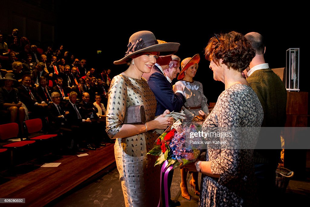 Queen Mathilde of Belgium, King Willem-Alexander of the Netherlands, King Philippe of Belgium and Queen Maxima of the Netherlands greet actors during their visit to the Flemish culture house Bakke Grond on November 28 2016 in Amsterdam, The Netherlands.