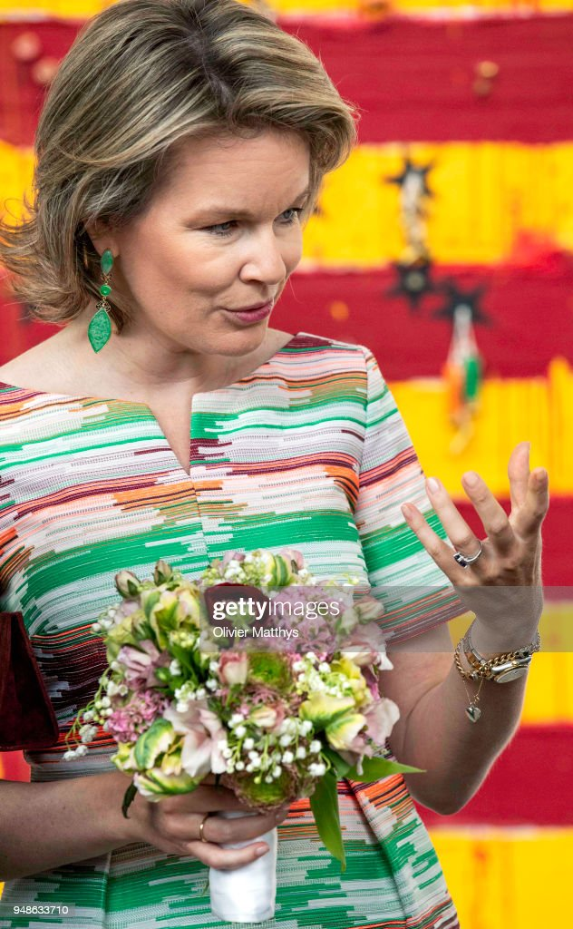 Queen Mathilde Of Belgium Visits The 50 Anniversary Contemporary Art Fair In Brussels : News Photo
