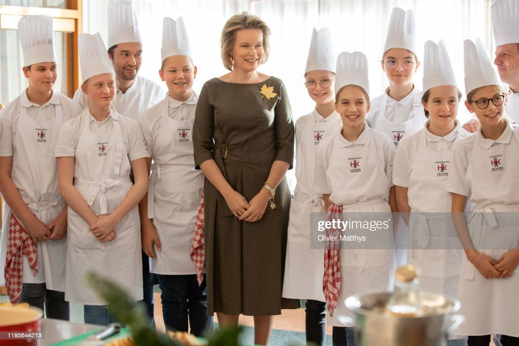 Queen Mathilde Of Belgium Visits Hotelschool Ter Duinen In Koksijde : ニュース写真