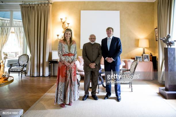https://media.gettyimages.com/photos/queen-maxima-and-king-willem-alexander-of-the-netherlands-pose-for-a-picture-id802041692?s=612x612
