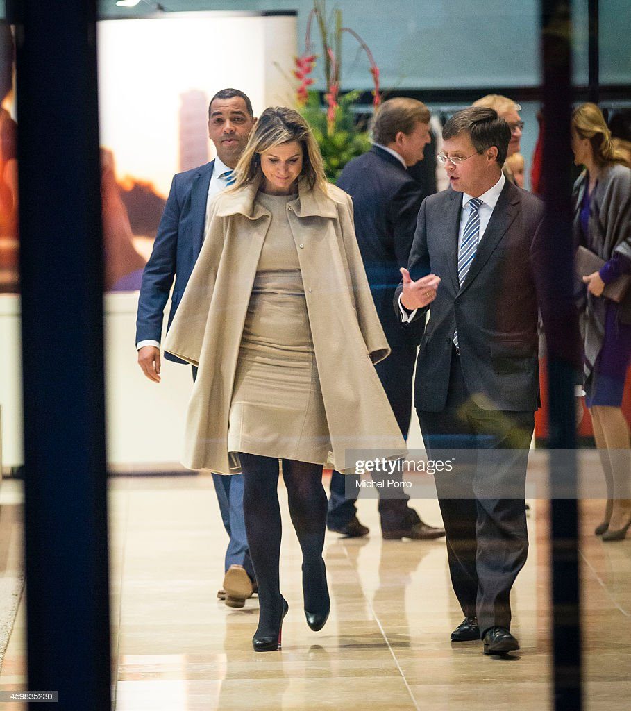Queen Maxima Of The Netherlands Receives Dutch Sustainable Growth Report : News Photo