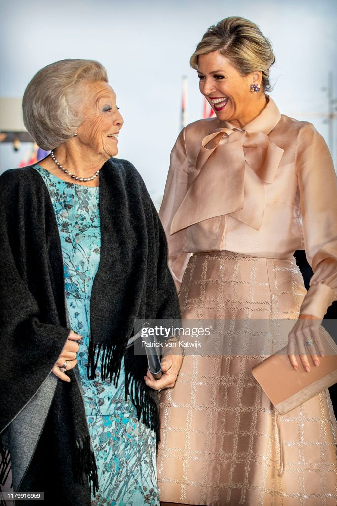 Queen Maxima Of The Netherlands And Princess Beatrix Of The Netherlands Attend Prince Bernhard Culture Foundation Award Ceremony : News Photo