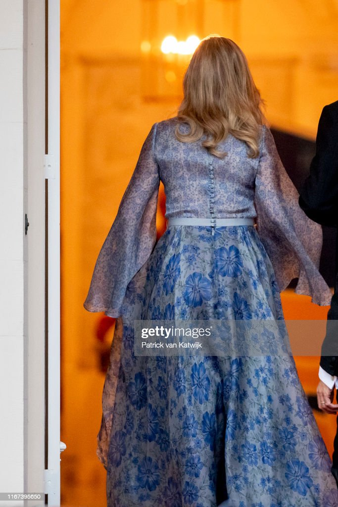 King Willem-Alexander Of The Netherlands And Queen Maxima Host Gala Diner For Council At Noordeinde Palace : ニュース写真