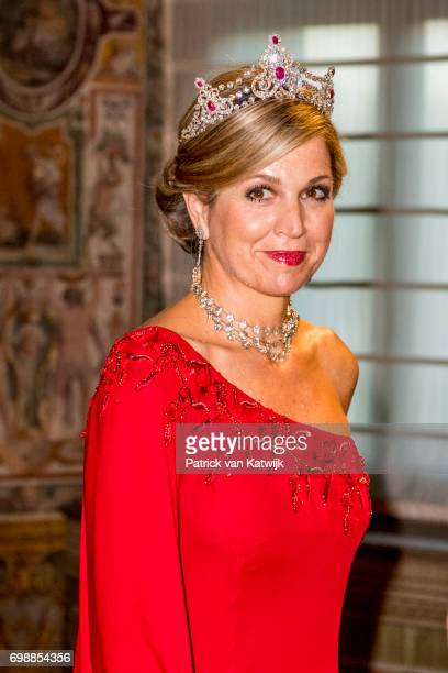 Queen Maxima of The Netherlands attend the official state banquet presented by President Sergio Mattarella and his wife Laura Mattarella at the...