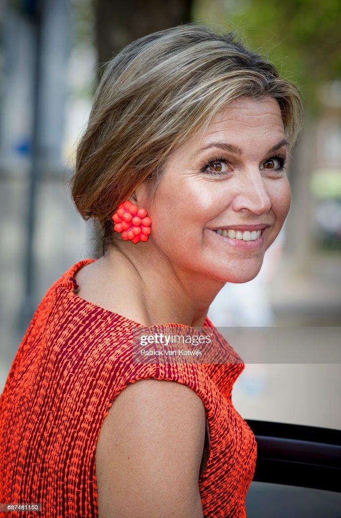 Queen Maxima Of The Netherlands Attends Symposium Wijzer In Geldzaken In Amsterdam : Nieuwsfoto's