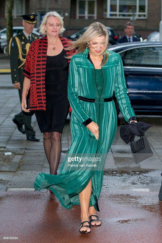 Queen Maxima attends the LOEY Awards for best online entrepreneur in Amsterdam : Nieuwsfoto's