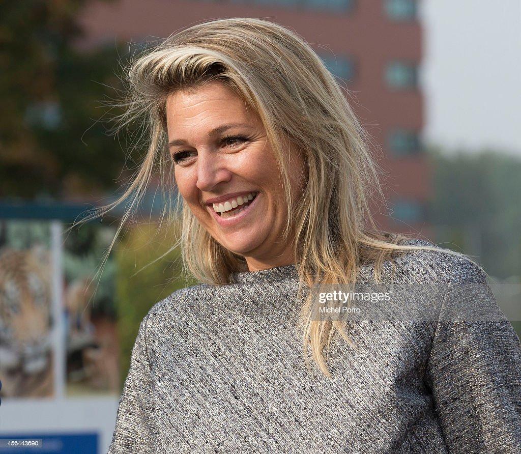 Queen Maxima Of The Netherlands Attends Money Wise Platform Seminar : ニュース写真