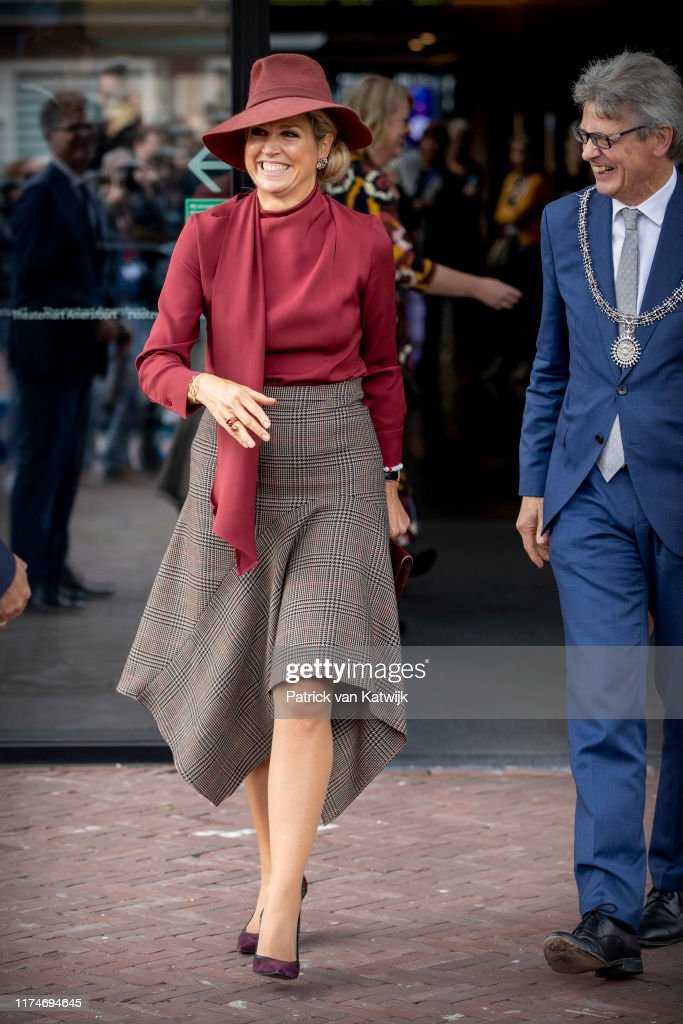 Queen Maxima Of The Netherlands Attends The VPTZ Congress In Amersfoort : News Photo
