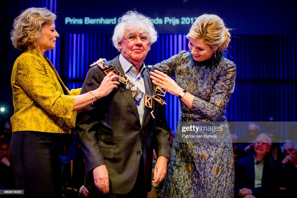 Queen Maxima of The Netherlands attends the Prince Bernhard Culture Foundation Award in the Muziekgebouw Aan't IJ on November 27, 2017 in Amsterdam, Netherlands. The culture Foundation awarded Geert Mak because of his work as a writer of books about our history.