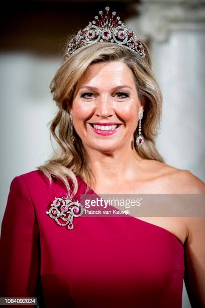 Queen Maxima of The Netherlands poses for an official picture with Halimah Yacob President of Singapore and her husband Mohamed Abdullah Alhabshee...