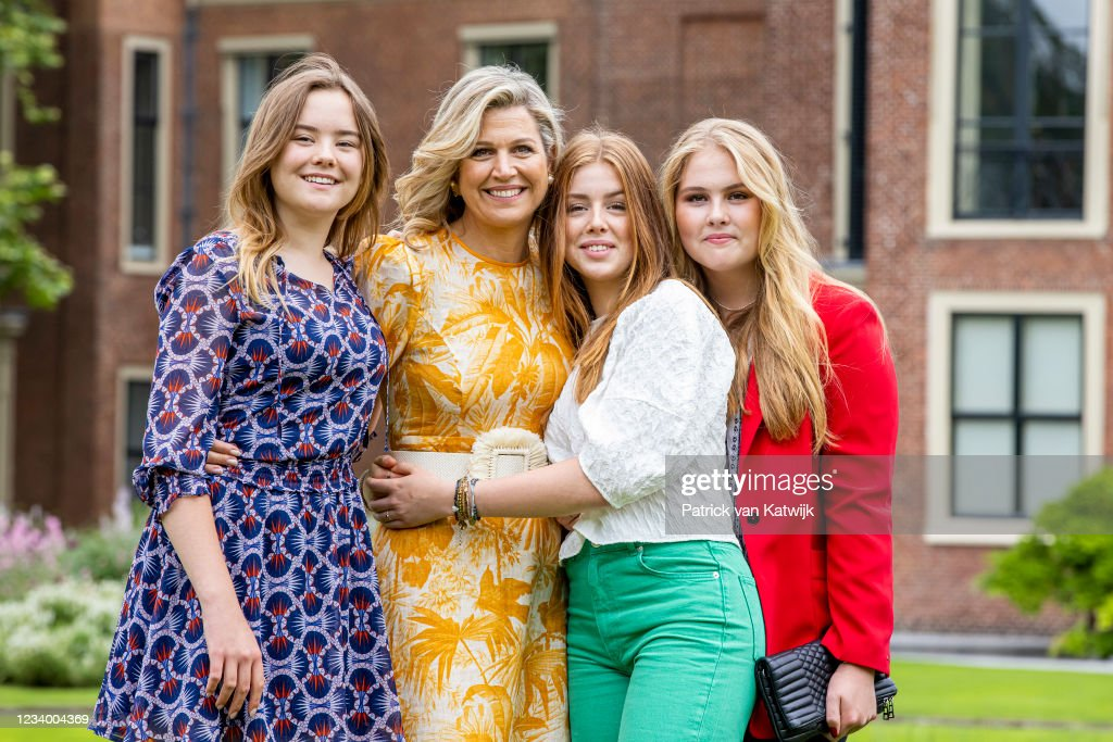 Dutch Royal Family Summer Photo Call At Huis Ten Bosch Palace : News Photo