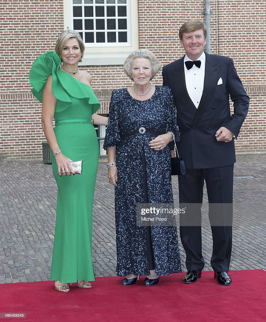 Queen Maxima of The Netherlands, Princess Beatrix of The Netherlands and King Willem-Alexander of The Netherlands arrive for dinner at the Loo Royal Palace on June 3, 2014 in Apeldoorn, Netherlands.