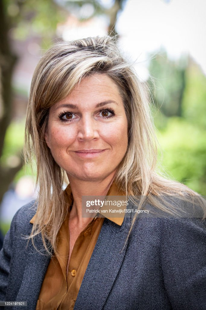 Queen Maxima Of The Netherlands Visits Funeral Sector : Foto di attualità