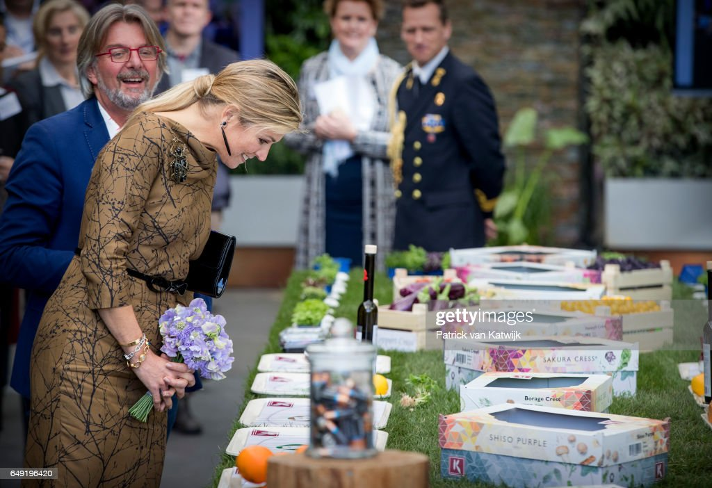 Queen Maxima visits Koppert Cress horticultural in Westland : News Photo