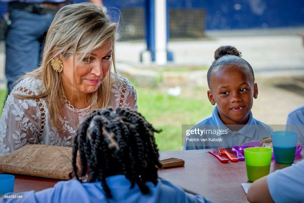 King Willem-Alexander Of The Netherlands And Queen Maxima Visit St Maarten : Nieuwsfoto's