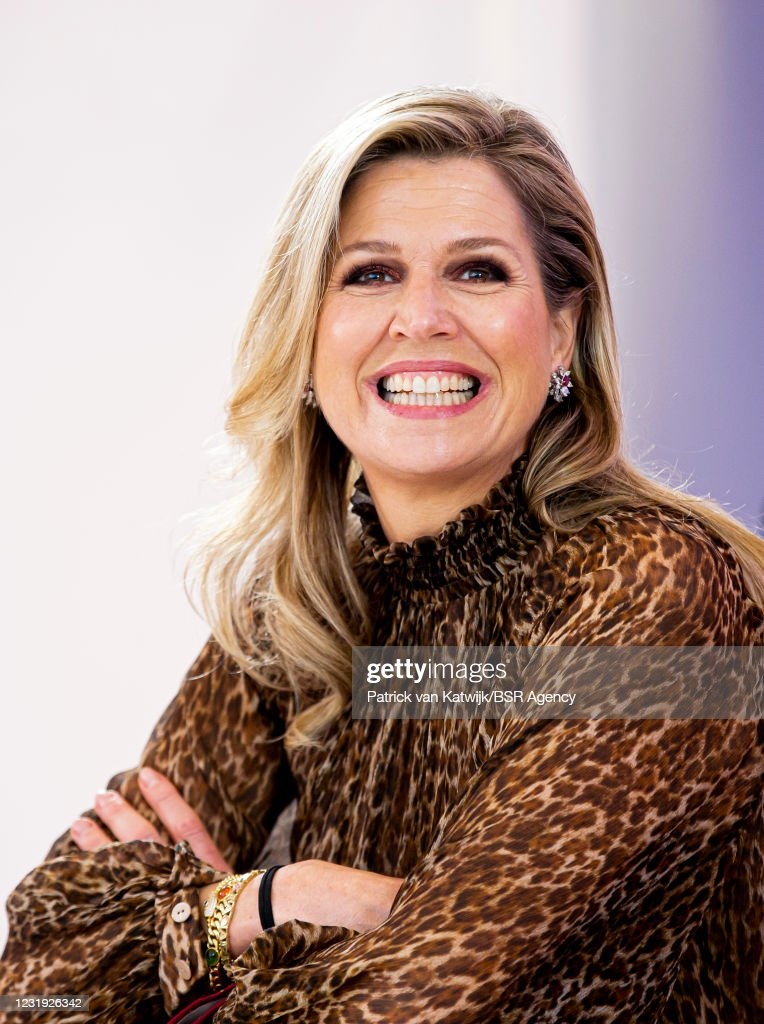 Queen Maxima Of The Netherlands Visits Studio Qredits In The Hague : News Photo