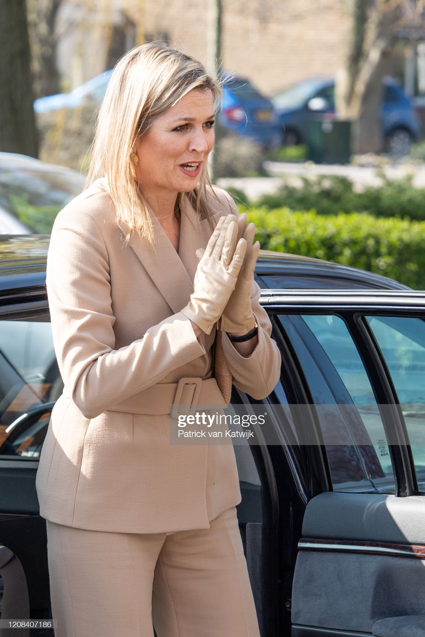 https://media.gettyimages.com/photos/queen-maxima-of-the-netherlands-visits-zuidbaak-floriculture-company-picture-id1208407186?s=2048x2048