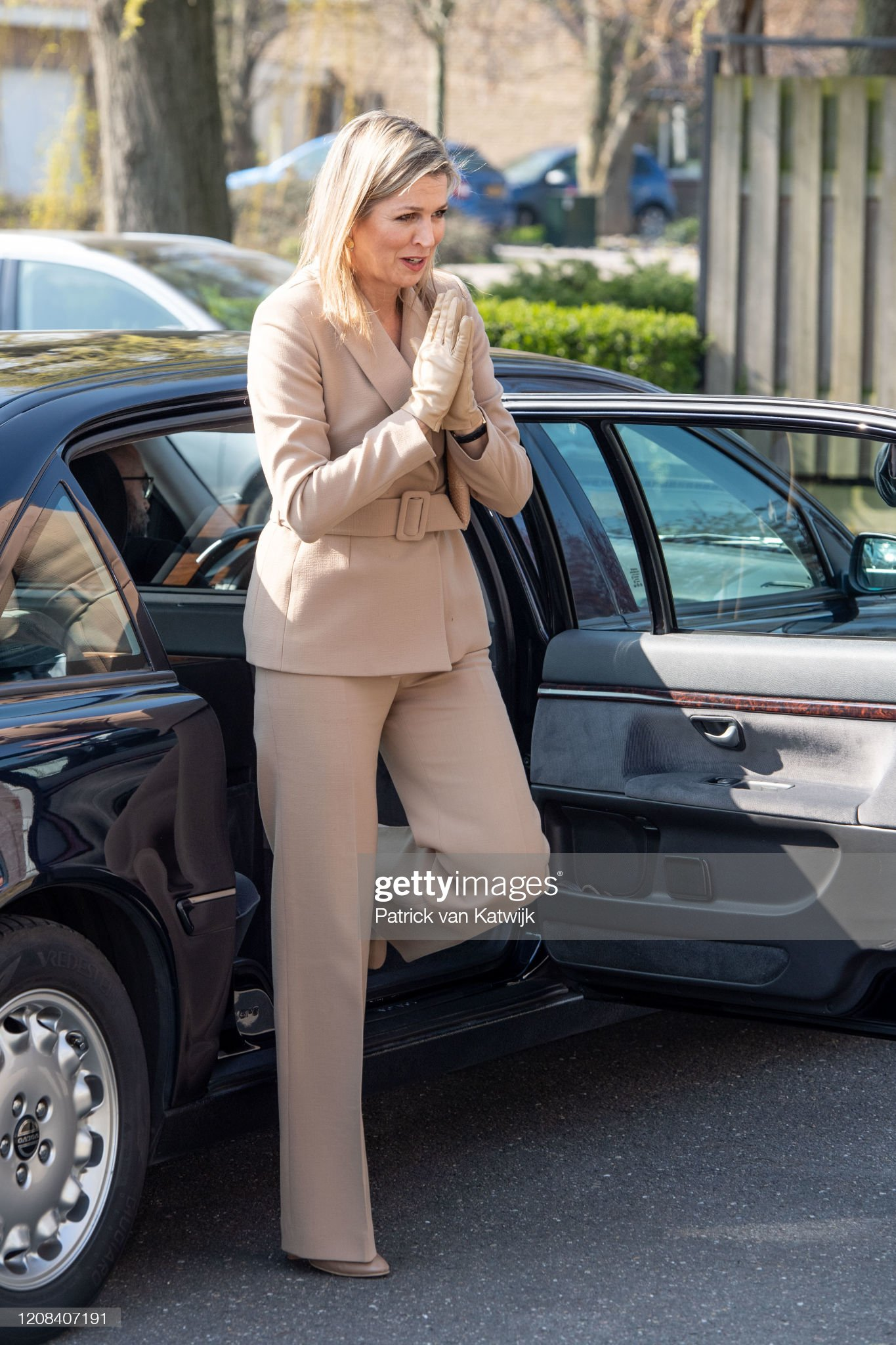 https://media.gettyimages.com/photos/queen-maxima-of-the-netherlands-visits-zuidbaak-floriculture-company-picture-id1208407191?s=2048x2048