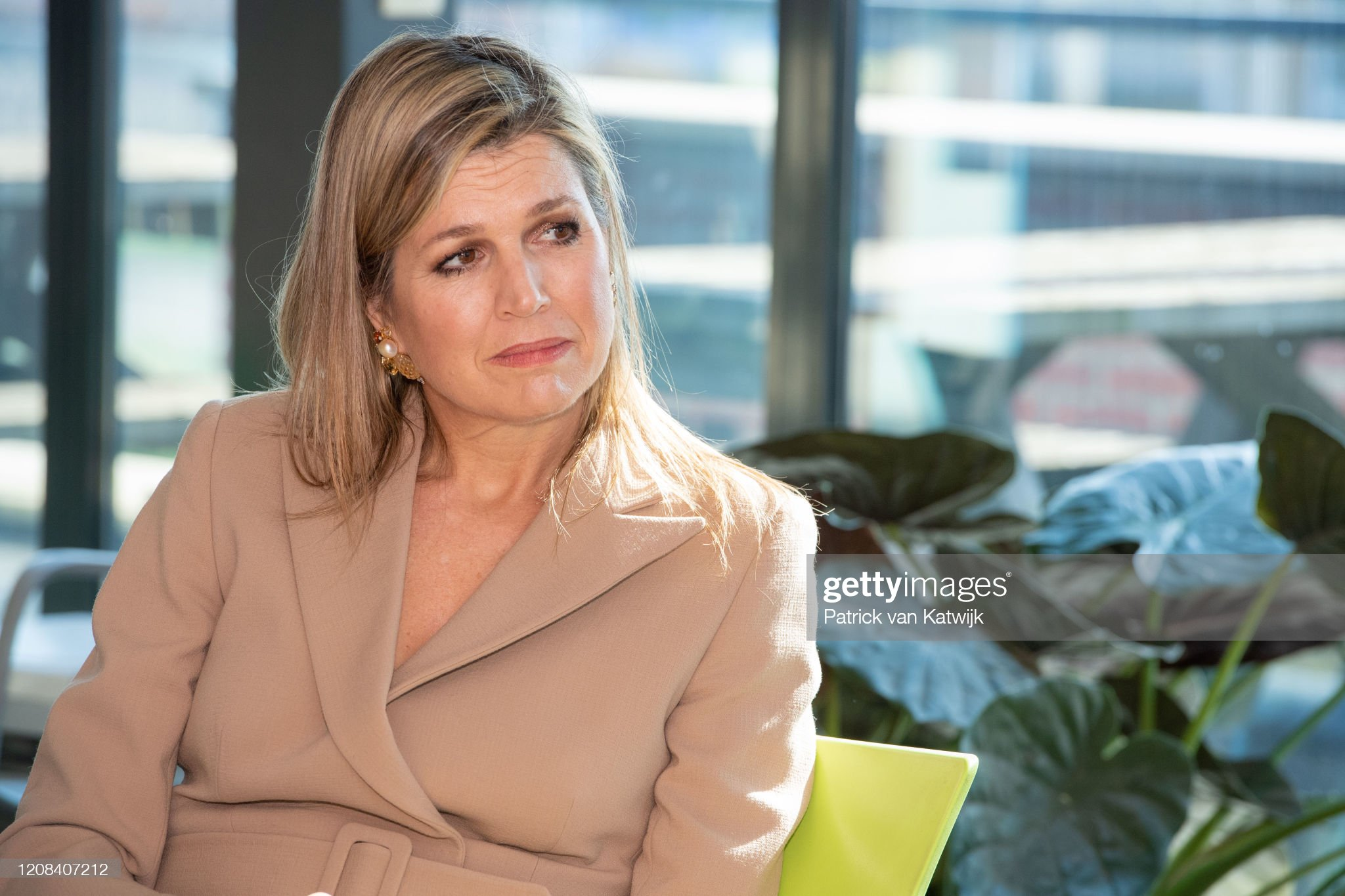 https://media.gettyimages.com/photos/queen-maxima-of-the-netherlands-visits-zuidbaak-floriculture-company-picture-id1208407212?s=2048x2048