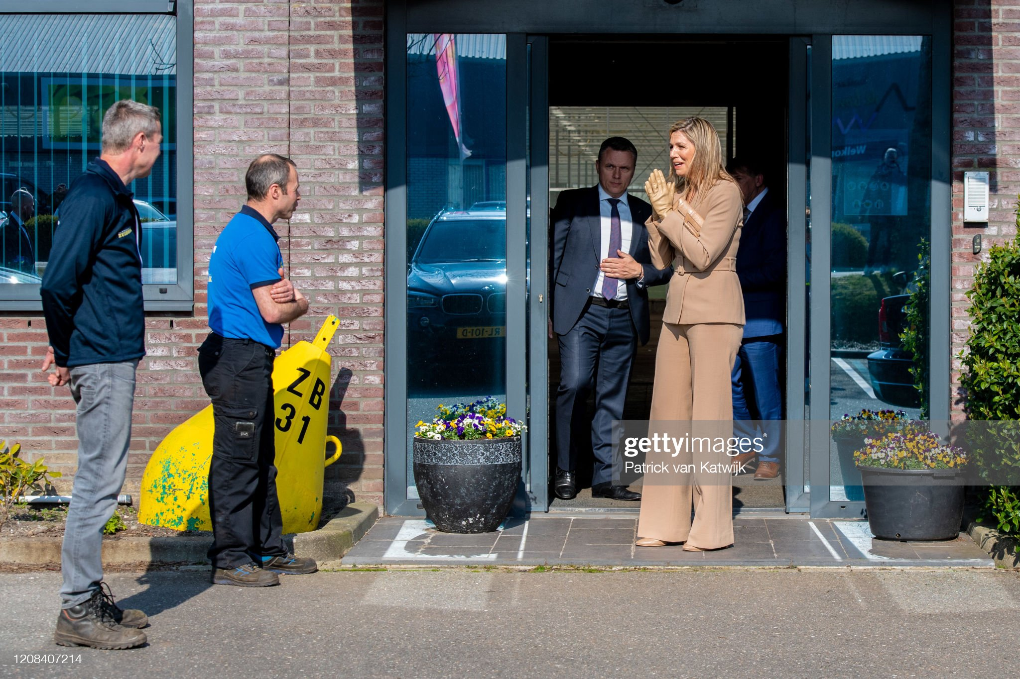 https://media.gettyimages.com/photos/queen-maxima-of-the-netherlands-visits-zuidbaak-floriculture-company-picture-id1208407214?s=2048x2048